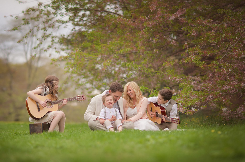 long island family singing and playing guitars