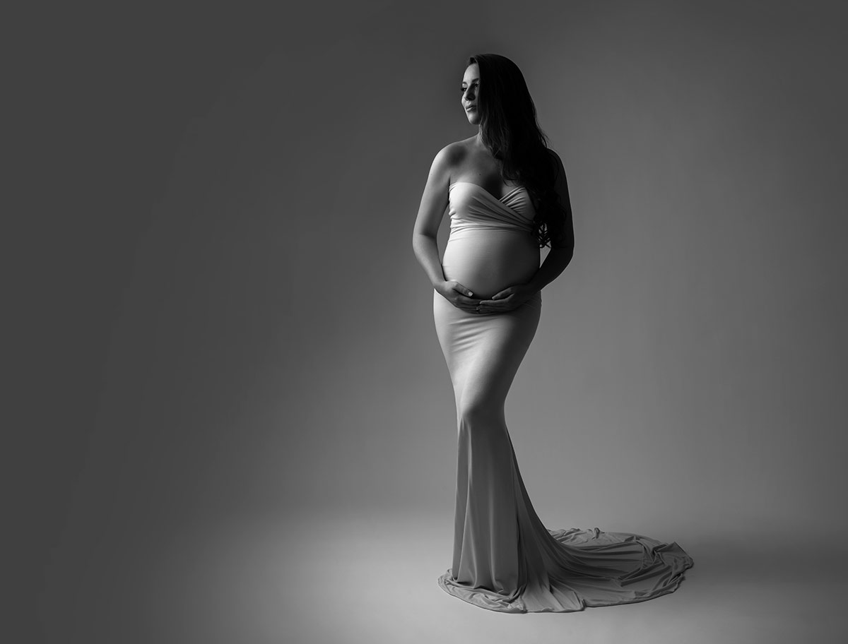 black white pregnant portrait nyc