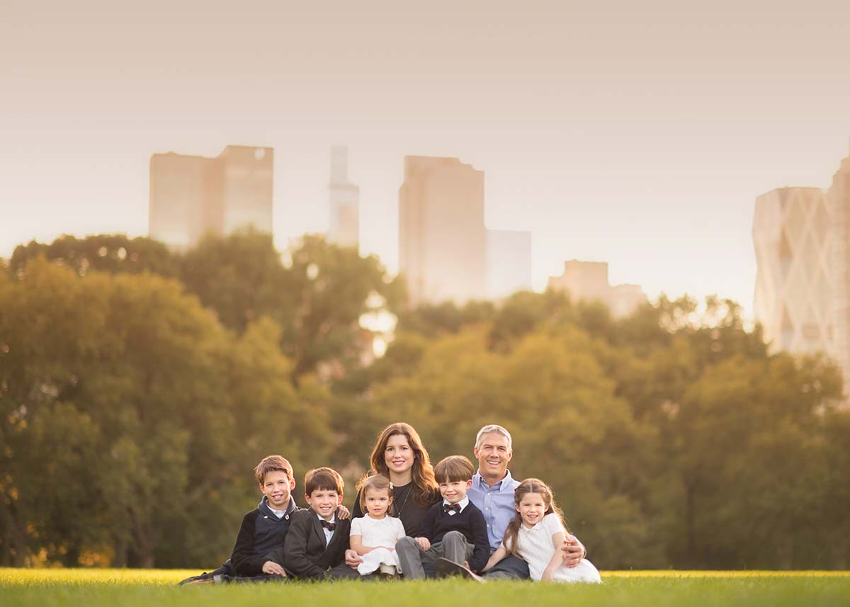 Large family portrait shot in Central Park NYC