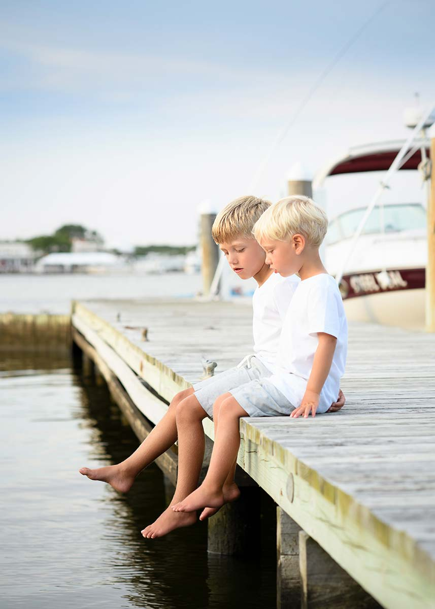 brothers dock feet water